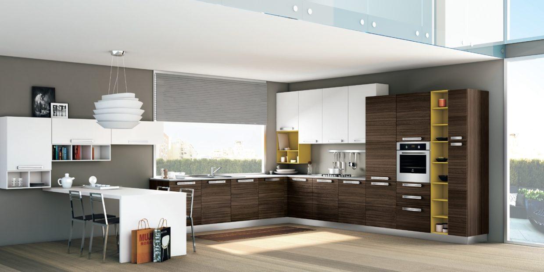 Una mensola per ogni cucina: in legno o in vetro?